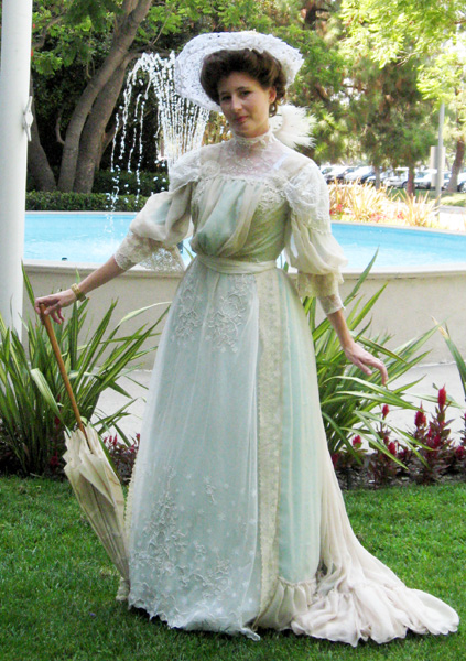 this dress was loosely based on a dress in francis grimble s voice of